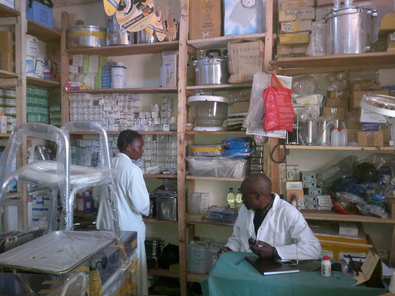 Pharmacie du lac, preparando entrevista con MR Messo