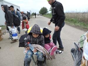 Farmamundi, apoyada por varios financiadores públicos y privados, está asistiendo de urgencia en Serbia a 5.400 personas en la frontera con Hungría y Croacia desde el mes de septiembre