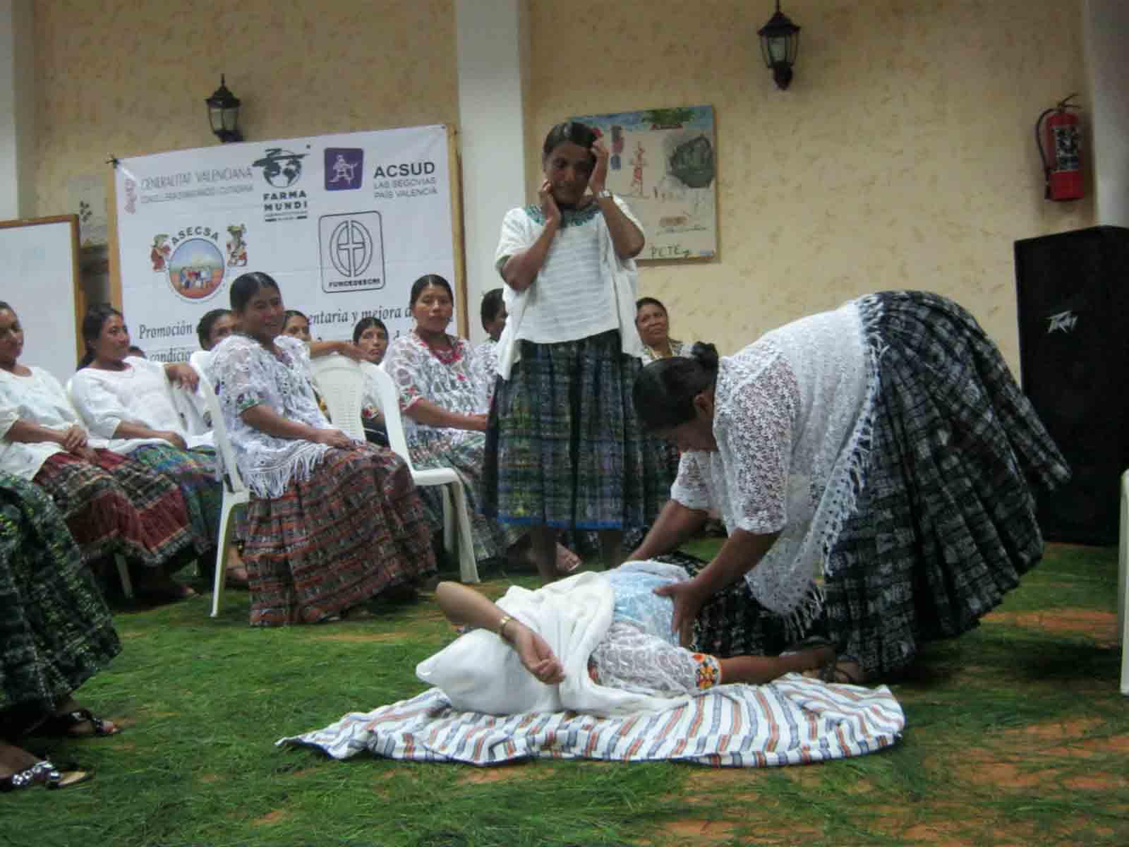 Formación a parteras en Guatemala. /Farmamundi