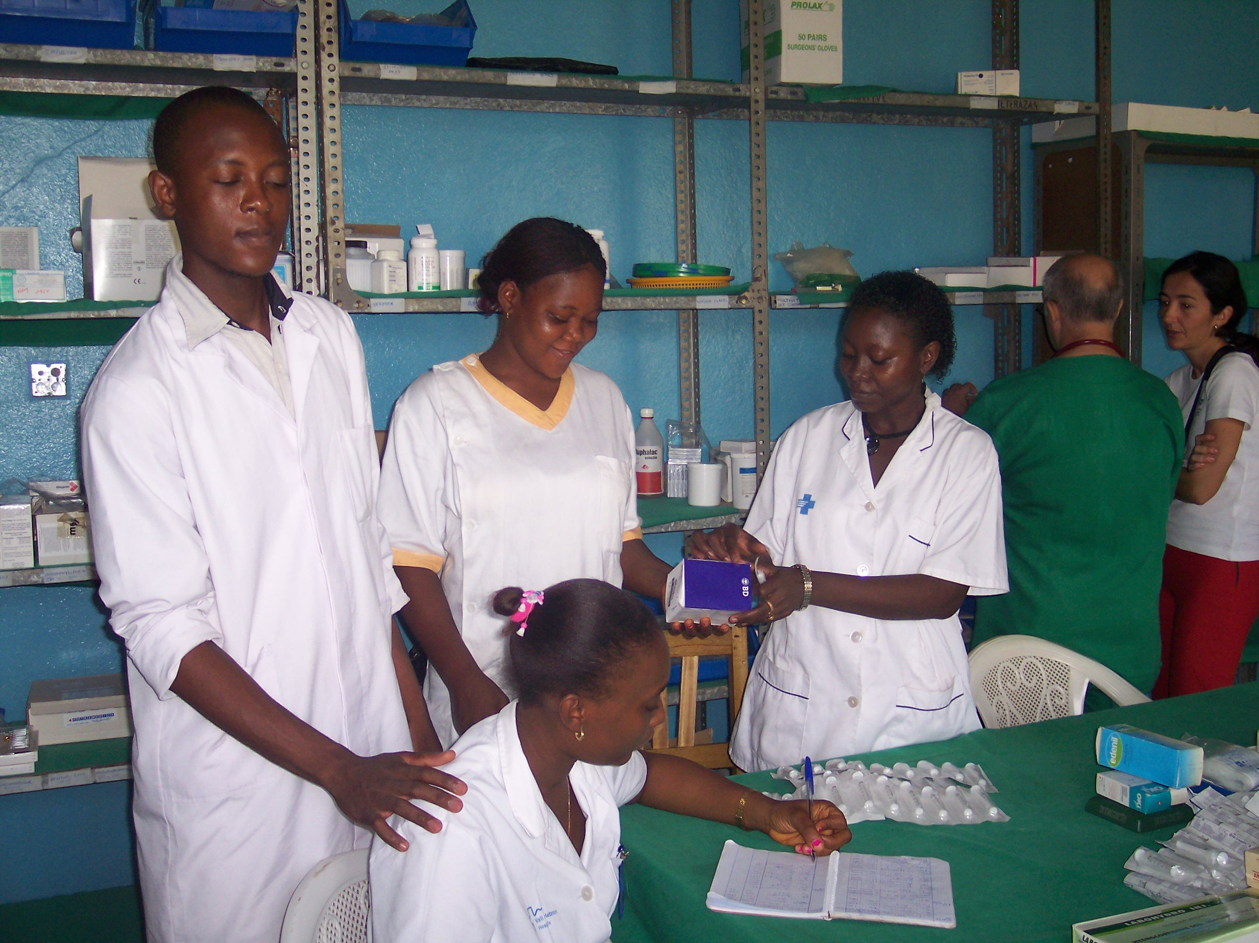 Sierra Leona (lunsar)-9- Hospital-2005